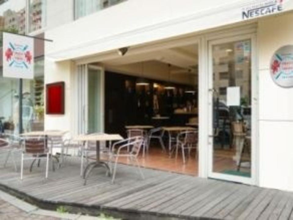 広尾 食文化で世界を繋ぐ小さな大使館レストランで国際交流パーティー