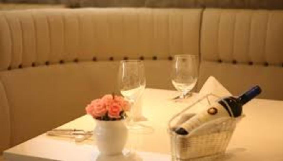 既婚者限定!女性満席!カジュアルフレンチ&ワインで爽やかに友達作り@銀座