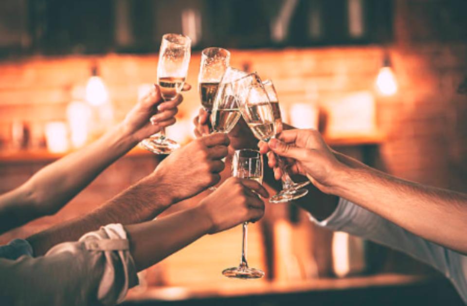 土曜日は新しい飲み友作り国際交流パーティー
