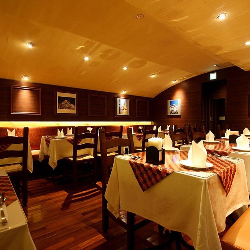 本格的ネパール料理屋でカレーとナンも美味しい国際交流パーティー