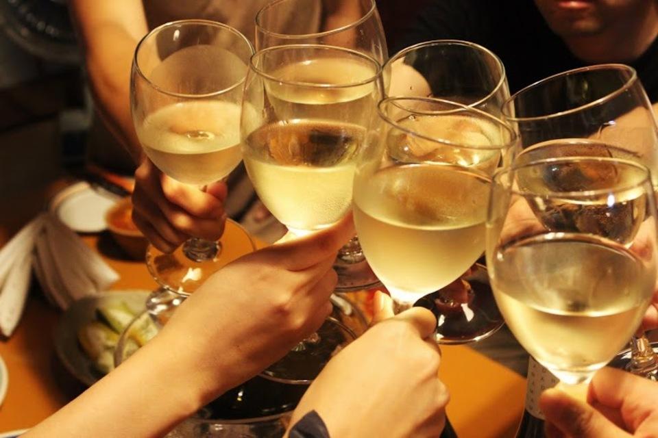 男性満席です【お一人参加&30代40代中心】オトナの男女が集うワイン恋活パーティー~素敵なラウンジで大人の出会いを~