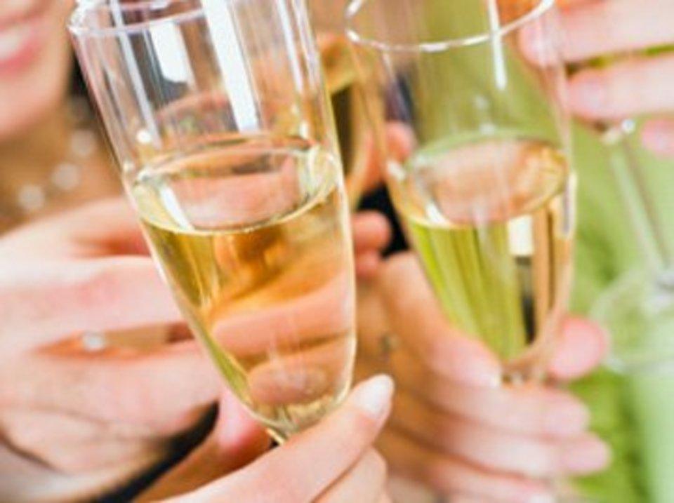 「エグゼクティブ男性☆30歳から43歳の真剣恋愛」〜ビール・ワイン&おつまみ付きParty〜
